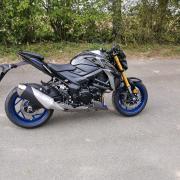 Gsxs 750 nord location rider