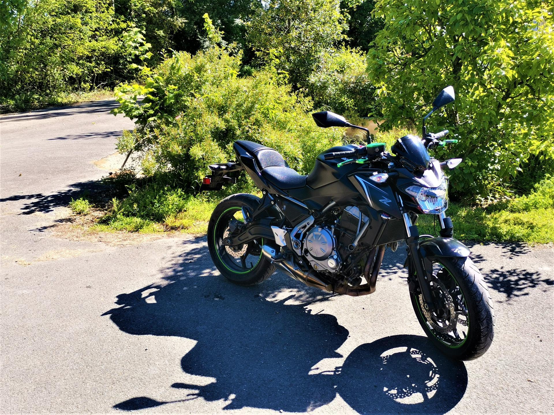 Kawasaki z650 a chez nord location rider